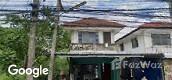 Vue de la rue of Baan Phrapin 5